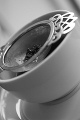 tea-cup-and-strainer1