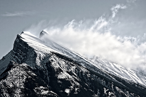 Summit Wind, Alberta: photo of mountain with blowing snow